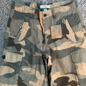 Lands End boys camo shorts. With tags. Size 8